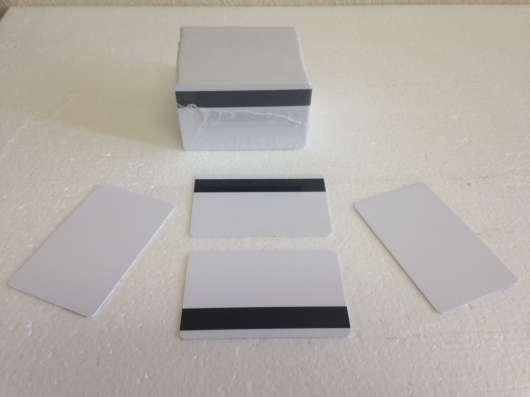 Пластиковые карты с магнитной полосой Hi-Co