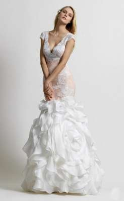Индивидуальный пошив свадебных и вечерних платьев.