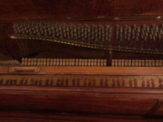 Старинное пианино из ореха и корня ореха.Слоновая кость. в Москве Фото 1