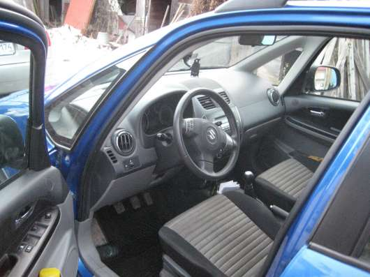 Продажа авто, Suzuki, SX4, Механика с пробегом 70000 км, в Сургуте Фото 5