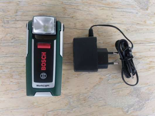 Аккумуляторный фонаррь Bosch WorkLight