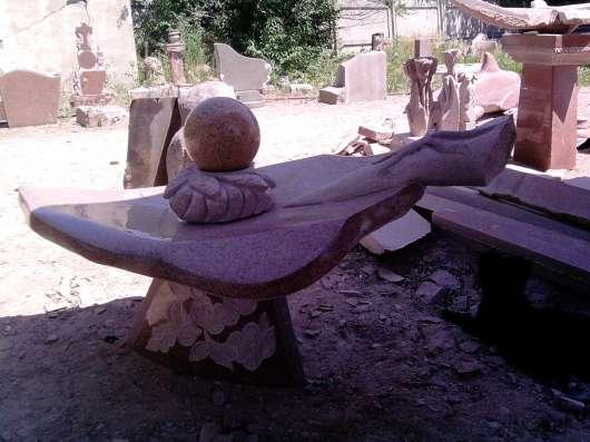 Все из Кордайского натурального гранита,фонтаны,вазы, шары.