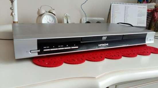 Продаю dvd плеер+ колонки Hitachi dv-p588A