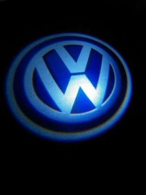 Подсветка дверей авто с логотипом VW штатная