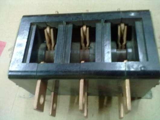 Рубильник ВР-32-37В.31250-32 ухл3. 400А.660В