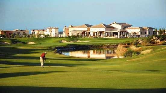 Двухкомнатный Апартамент в элитном гольф-курорте на Кипре Фото 2