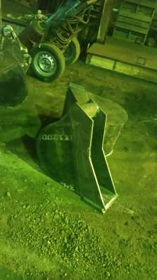 Задний ковш на погрузчик JCB 3CX (300 мм)