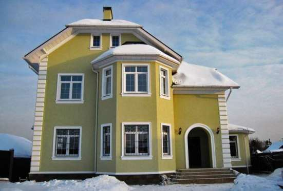 Бригада строителей построит дом