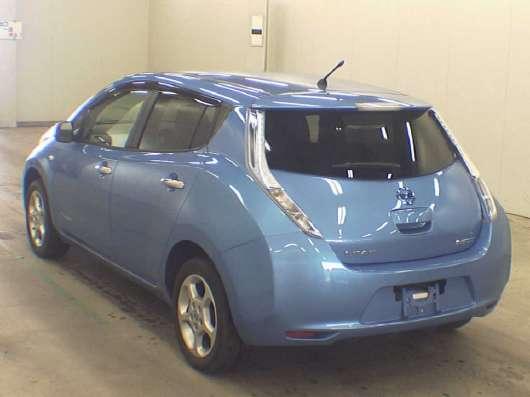 Nissan Leaf электромобиль