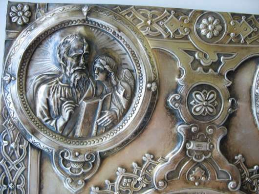 Старинная накладка на церковное ЕвангелиеСеребро.Храмовая.