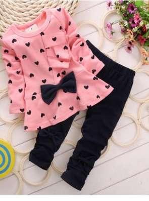 Комплектдля девочки розовый с сердечками , размер 3Т.