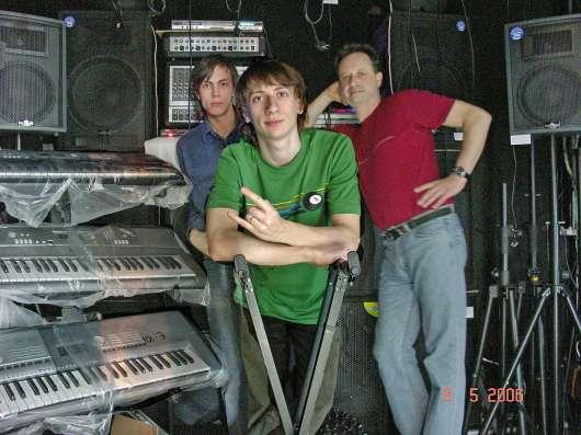 Гитары и аппаратура световое оборудование,студия звукозаписи