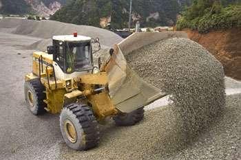 Пиломатериал. Песок. Щебень. Цемент
