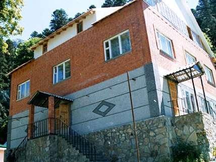 """В КЧР на горно-лыжном курорте Домбай продается гостиница """"Лунная долина"""" 420 кв.м"""