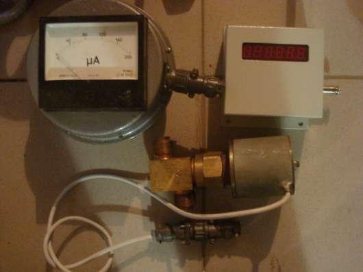 Продам датчик кк2010  и индикатор скорости КК8691