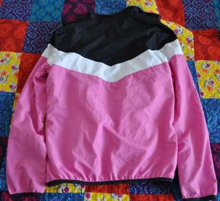 Продам легкую курточку от спортивного костюма 10-11 лет