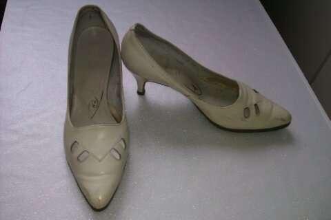 туфли вишневого цвета