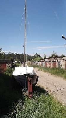 Яхта парусно-моторная продаю