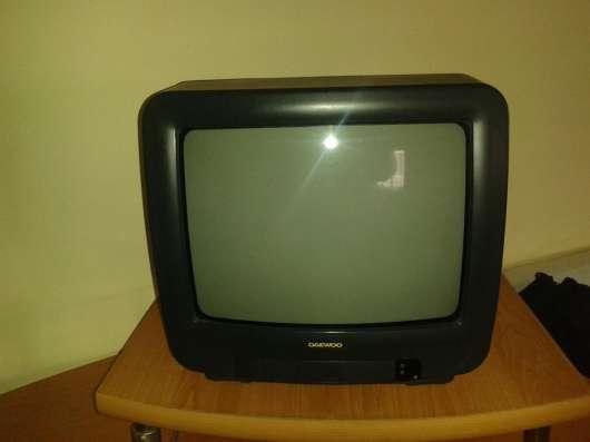 телевизор Daewoo цветной