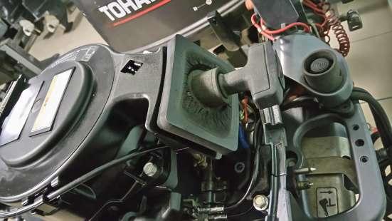 Продам отличный лодочный мотор YAMAHA F9,9, нога S в Владивостоке Фото 1