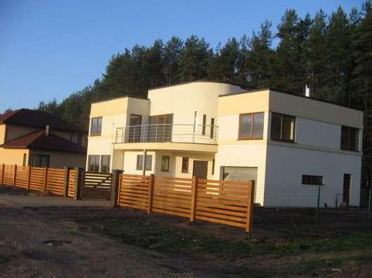Дом бетонный монолит, общ. S 130 кв.м., S участка 10 сот.