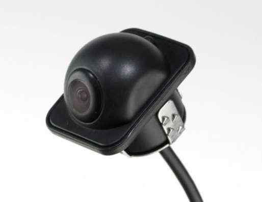 Камера заднего вида ,цветная с рамкой безопасности.