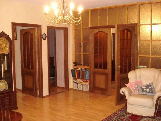 Продаю 4х комнатную кв-ру на Чайковского, 25а
