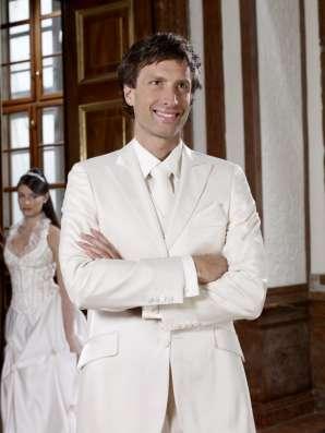 Индивидуальный пошив мужской церемониальной одежды.