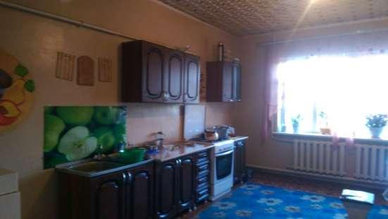 В г.Кропоткине по ул.Молодежной дом из белого кирпича двухэтажный 290 кв.м