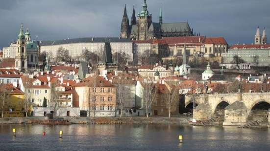 Переводчик для собеседования в Консульстве Посольстве Чехии