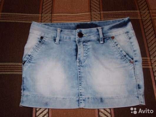 Продаю короткую джинсовую юбку