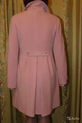 Новое пальто грязно-розового цвета в Москве Фото 2