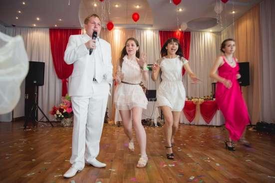 Ведущий на свадьбу и новогодний корпоратив. Тамада Омск Фото 3
