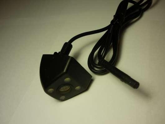 Камера заднего вида со светодиодной подсветкой на шпильке