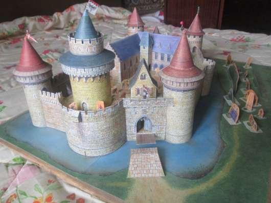 Игрушечные домик и замки из картона в Екатеринбурге Фото 1