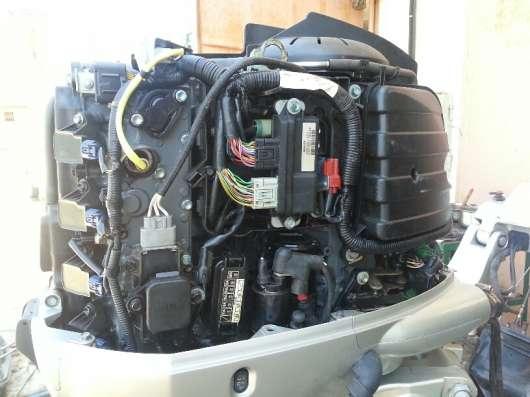 Продам лодочный двигатель HONDA 90 EFI