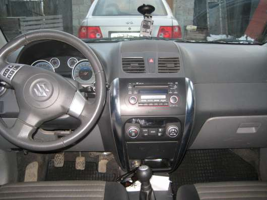 Продажа авто, Suzuki, SX4, Механика с пробегом 70000 км, в Сургуте Фото 4