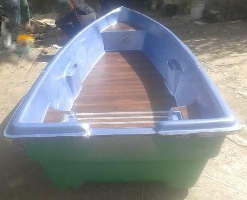Продам палубную лодку из стеклопластика