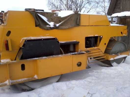 Каток дорожный вибрационный двухвальцовый ду-47Б