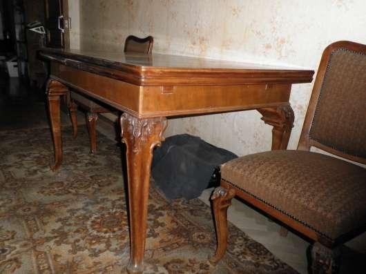 Стол обеденный и 6 мягких стульев (Венгрия)