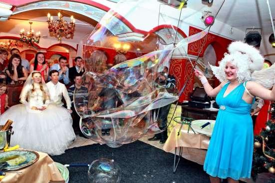 Фокусник в Екатеринбурге, шоу мыльных пузырей