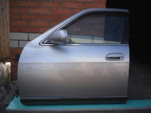 Nissan Skailine ER 33, дверь передняя, левая,  бу, в сборе