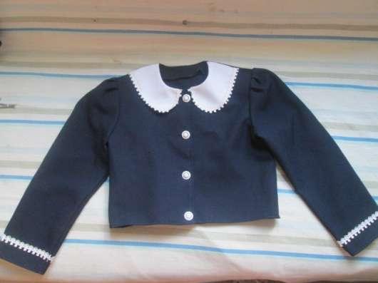 Одежда разная на девочку 7-10 лет