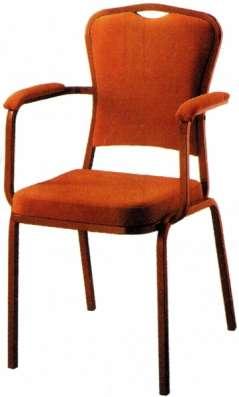 Банкетные стулья, металлокаркас, кожзам, ткань.