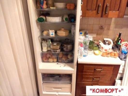 Установка встроенного холодильника