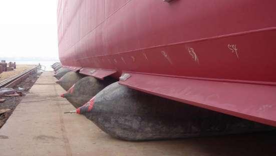 Пневматические ролик-мешки для подъема и спуска судов