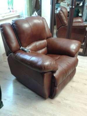 Кресло кожаное РЕЛАКС-6  с эл приводом новое с пультом.