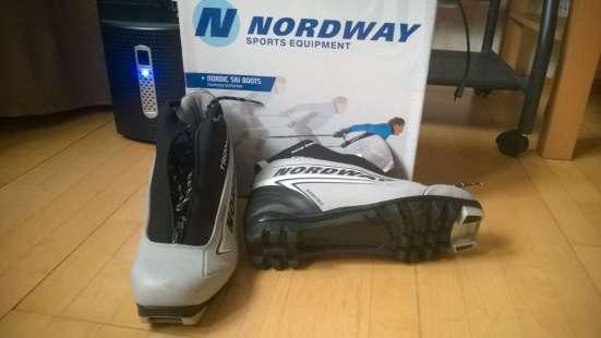 б/у ботинки для беговых лыж.