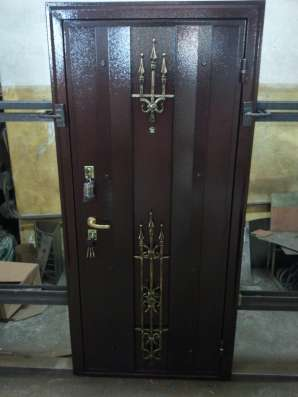 Производство металлических дверей Продажа металлических двер
