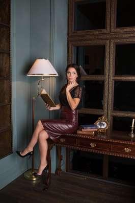 Бордовая кожаная юбка в Санкт-Петербурге Фото 2